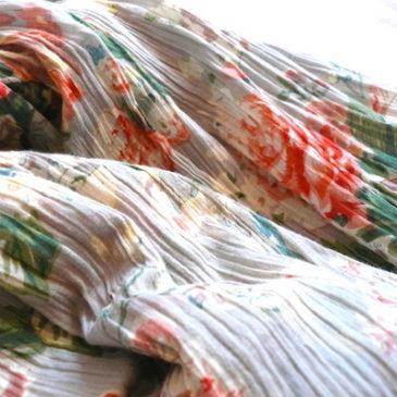 90's flower pattern skirt & sailor collar blouse