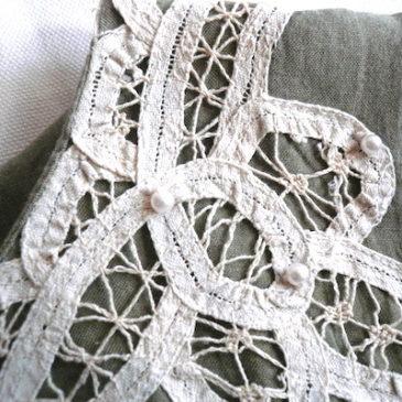 80〜90's pearl lace khaki dress