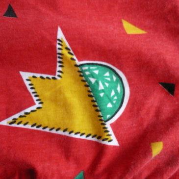 80's pattern red tops & black long skirt