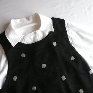90's black beige dots knit vest & white stripe shirt