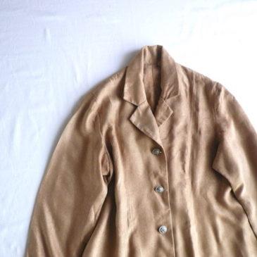 70's yellow ocher metal button coat