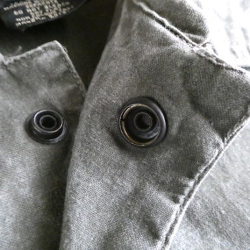 90's khaki green snap button vest