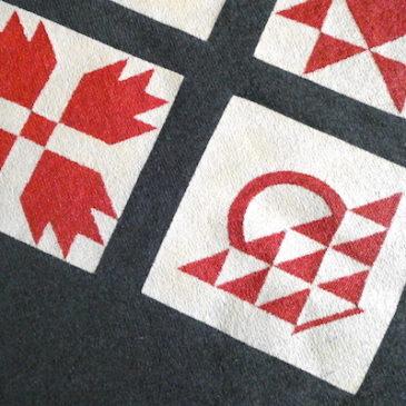 90's〜 ∩∩∩∩ pattern green sweat shirt & native pattern charcoal grey sweat shirt