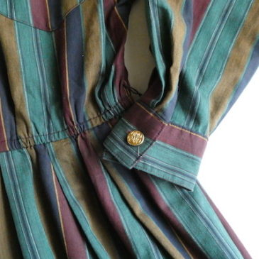 90's Rejimental stripe cotton one-piece dress & 80's sand beige cable knit vest
